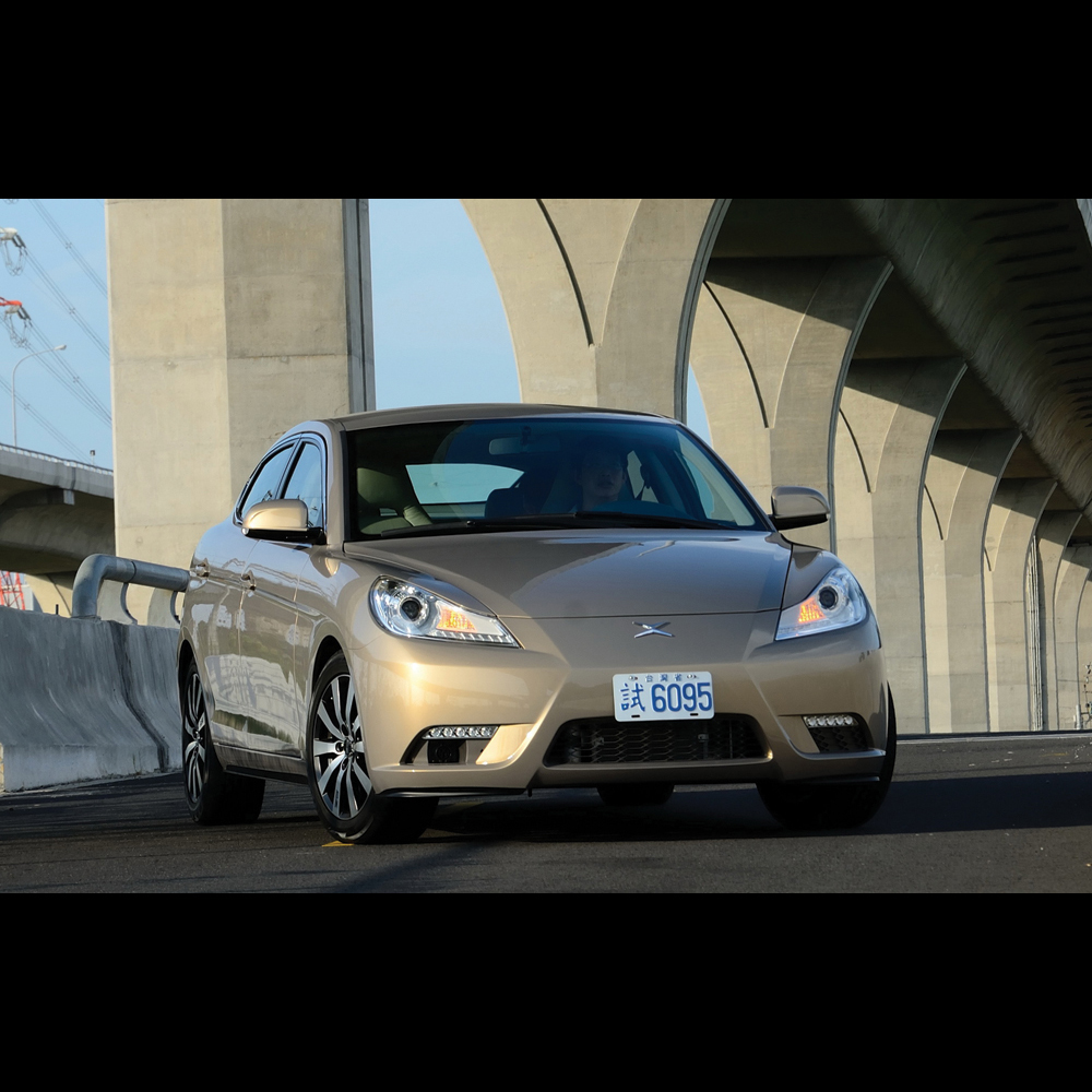 2011 AVANT GT EV